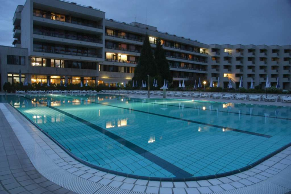 Hotel DIamant bazén