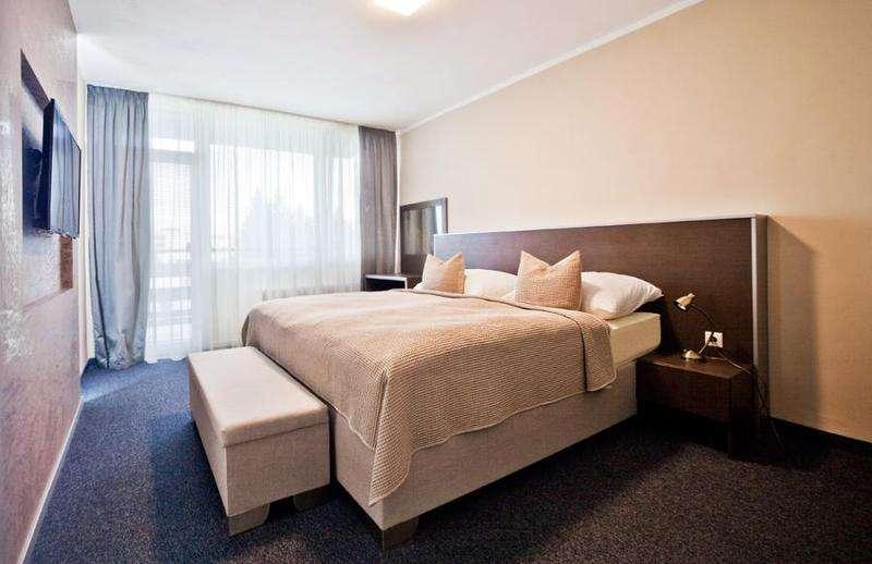 Hotel SMaragd izby