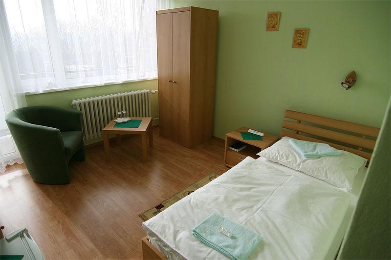 pokoj jednoluzkovy hotel flora
