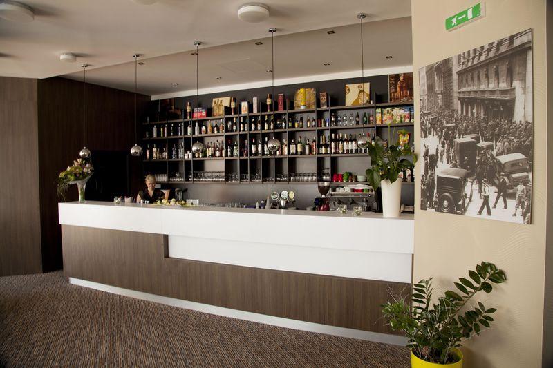 Hotel hviezda Bar