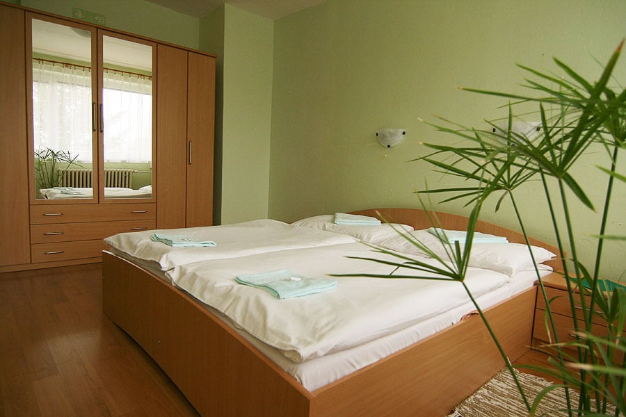hotel flora apartman